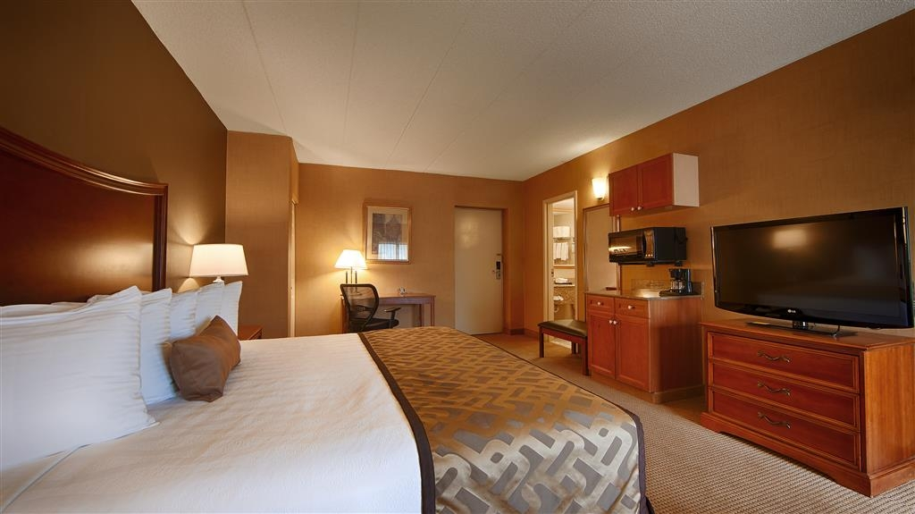 Best Western Plus North Haven Hotel - Suite