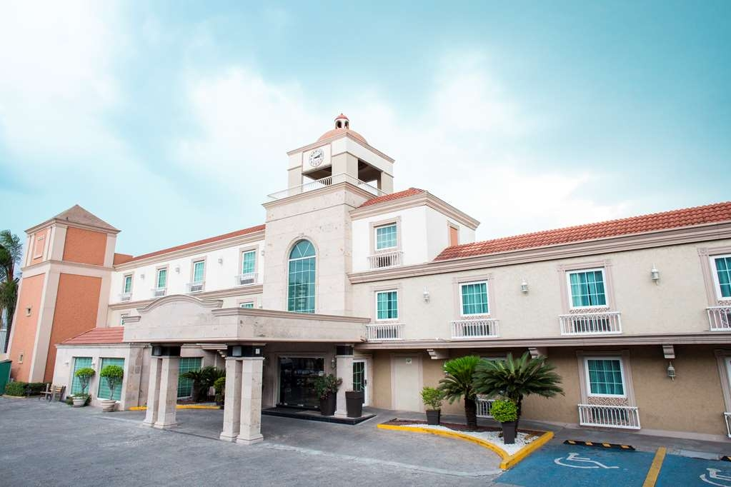 Best Western Plus Monterrey Colon - Facciata dell'albergo