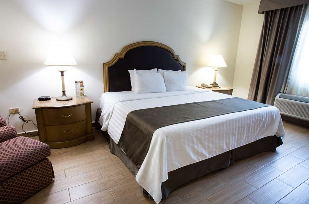 Best Western Plus Monterrey Colon - Handicap room
