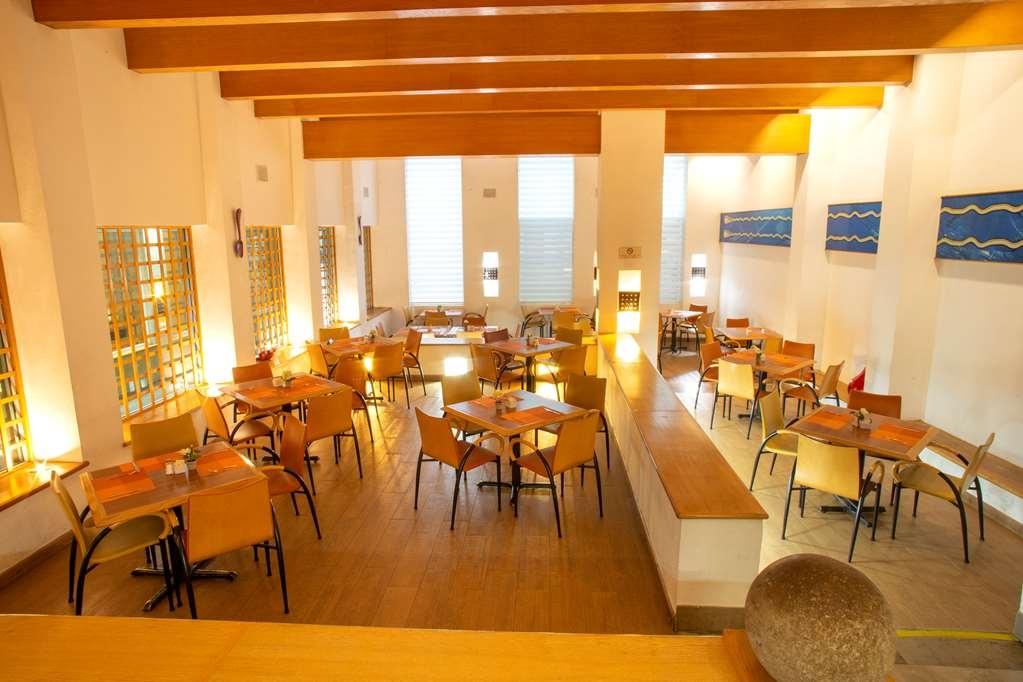 Best Western Plus Monterrey Colon - Restaurant / Etablissement gastronomique