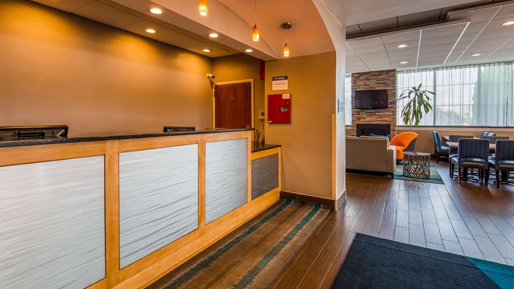 Best Western Hartford Hotel & Suites - Hall