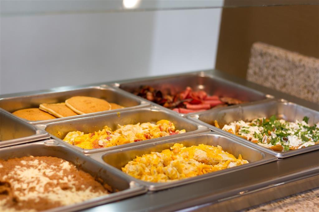 Best Western Premier Monterrey Aeropuerto - Frühstücksbuffet