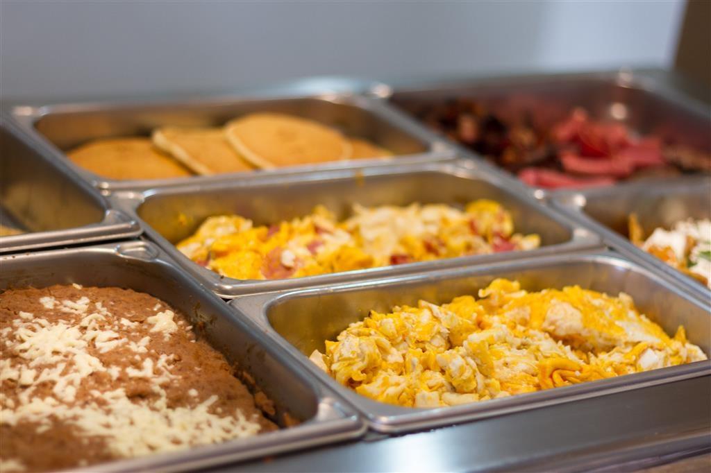 Best Western Premier Monterrey Aeropuerto - Desayuno Buffet