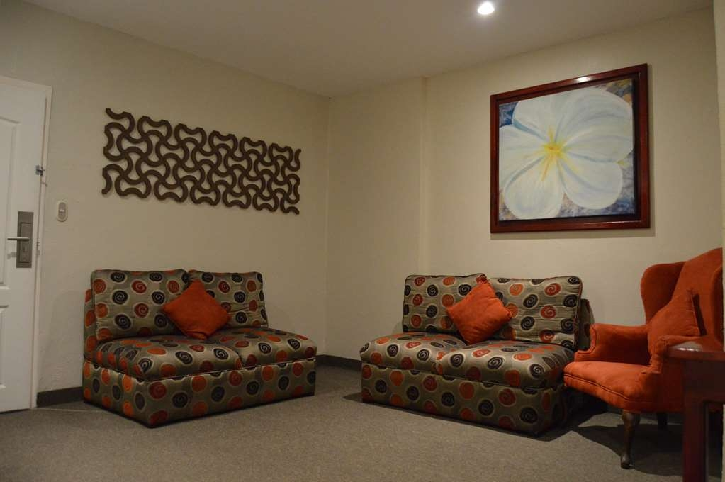Best Western Bazarell Inn - Living Room
