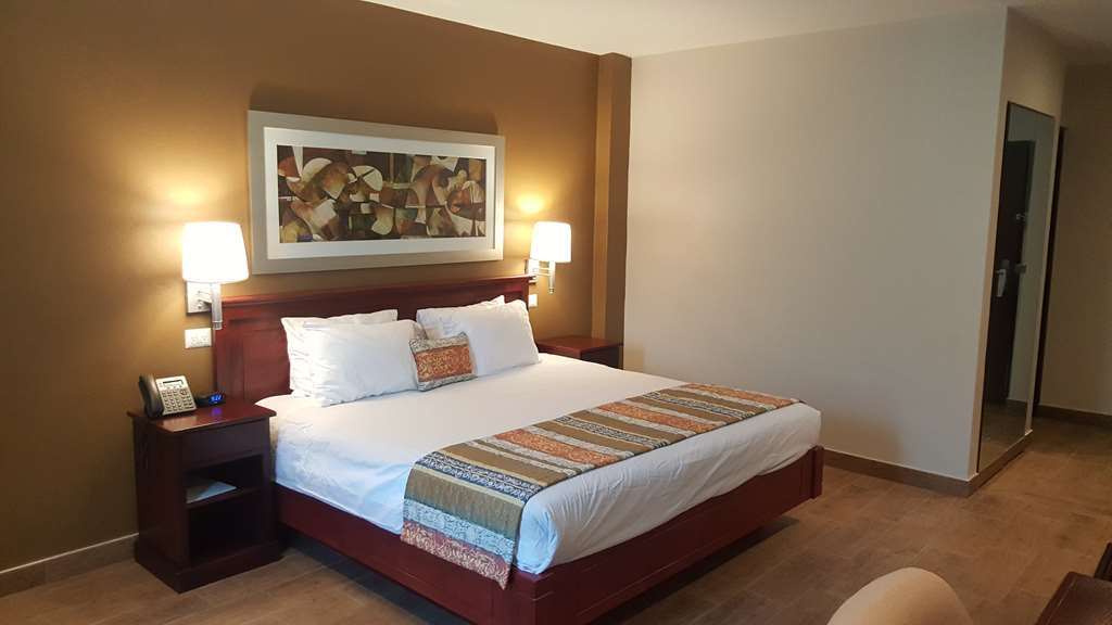 Best Western Bazarell Inn - Standard room with a queen bed