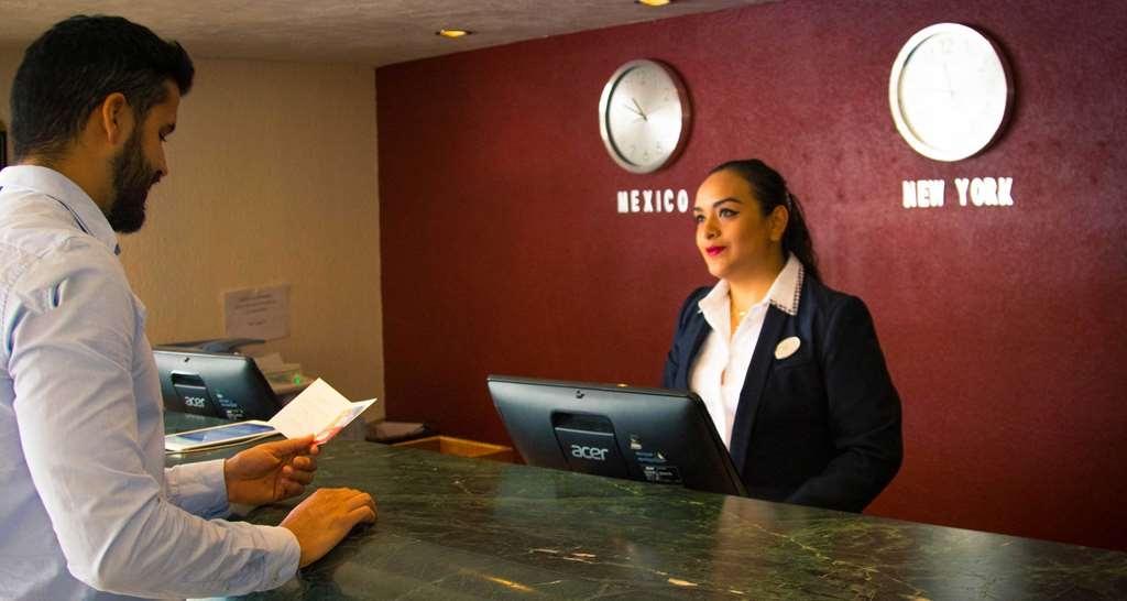 Best Western Plus Gran Hotel Morelia - Vista del vestíbulo