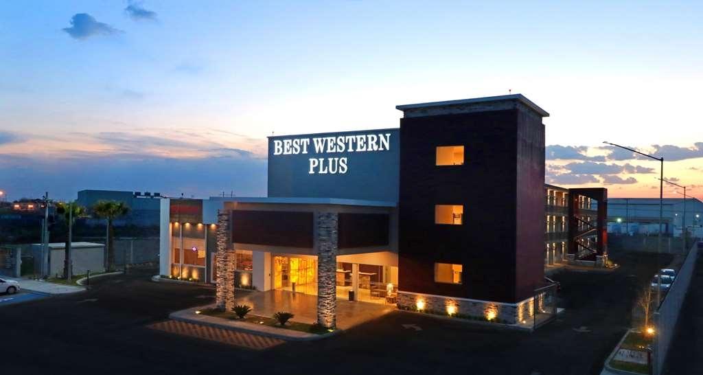 Best Western Plus Aeropuerto Monclova-Frontera - Facciata dell'albergo