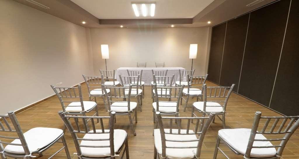 Best Western Plus Aeropuerto Monclova-Frontera - Salle de réunion