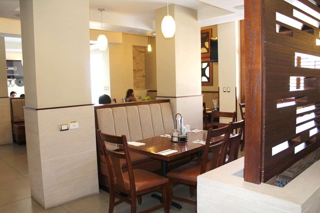 Best Western Cumbres Inn Cd. Cuauhtemoc - Restaurant / Gastronomie