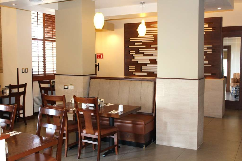 Best Western Cumbres Inn Cd. Cuauhtemoc - Restaurante/Comedor