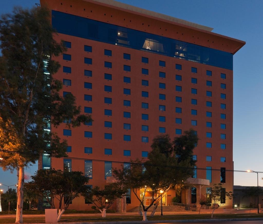 Best Western Plus Nuevo Laredo Inn & Suites - Exterior