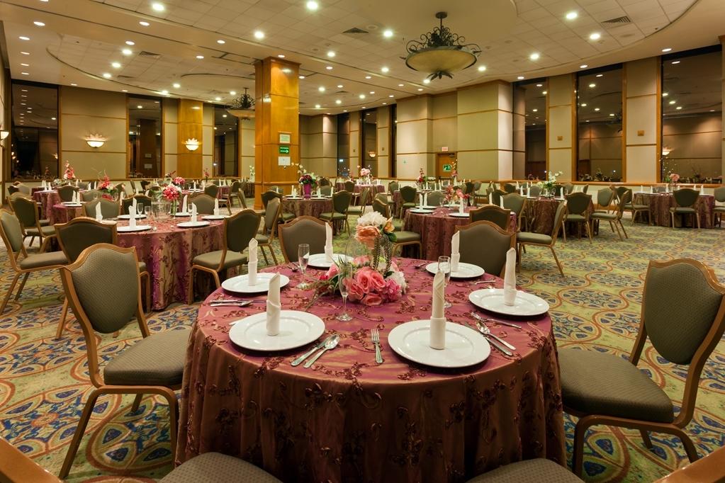 Best Western Plus Nuevo Laredo Inn & Suites - Salle de réunion
