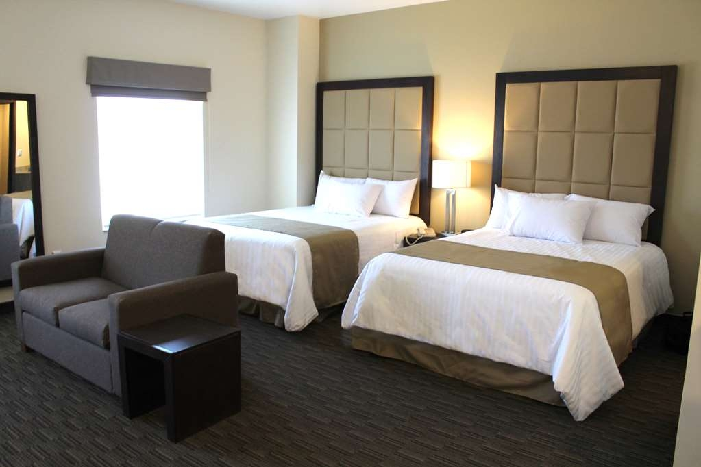 Best Western Cumbres Inn Juventud - Suite 2 queen beds
