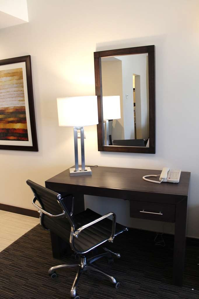 Best Western Cumbres Inn Juventud - Suite amenities