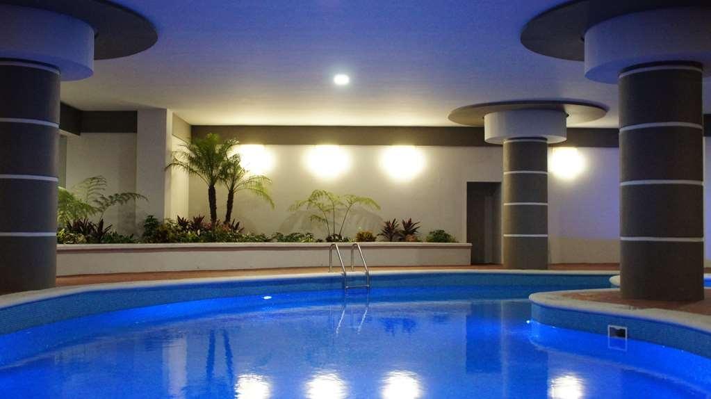 Best Western Plus Santa Cecilia Pachuca - Vista de la piscina