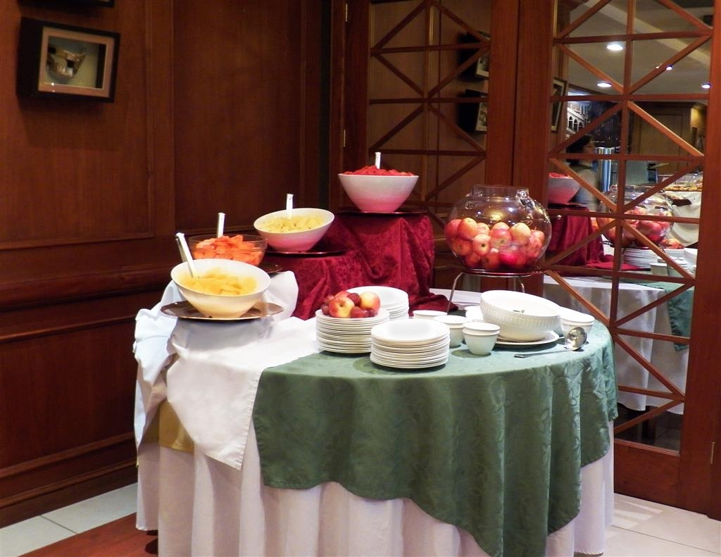 Best Western Plus Hotel Stofella - Fruits of our station buffet breakfast