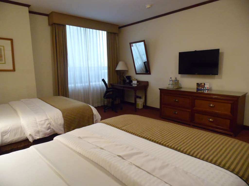 Best Western Plus Hotel Stofella - room With 1 double bed and 1 twin bed