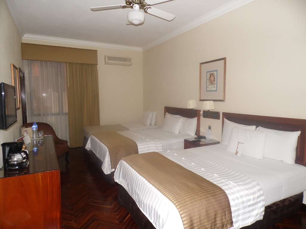 Best Western Plus Hotel Stofella - Room with two double bed and one sigle