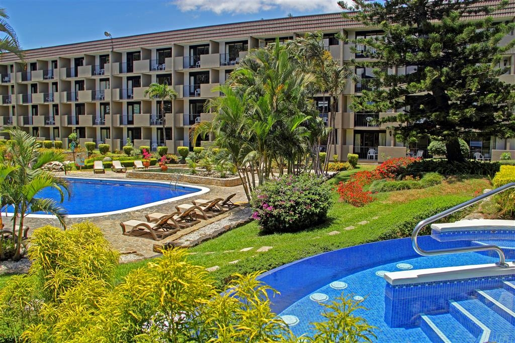 Best Western Irazu Hotel & Casino - Piscina Jacuzzi® at the Best Western Irazu Hotel & Casino in San Jose Costa Rica