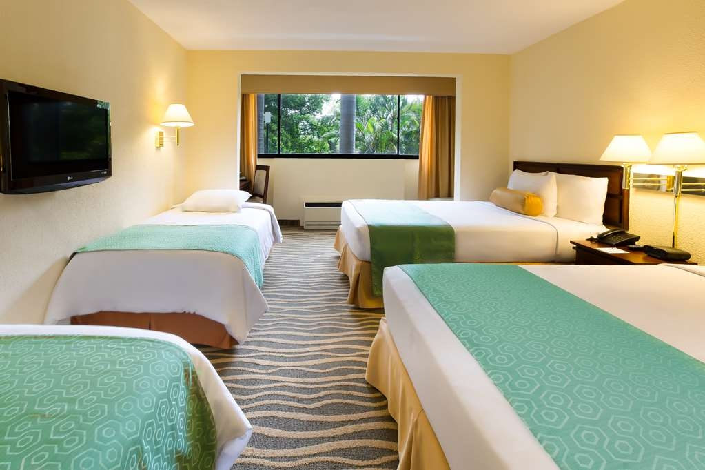 Best Western Irazu Hotel & Casino - 3 SINGLE BEDS,NSMK,4BDSNG,FULL BREAKFAST