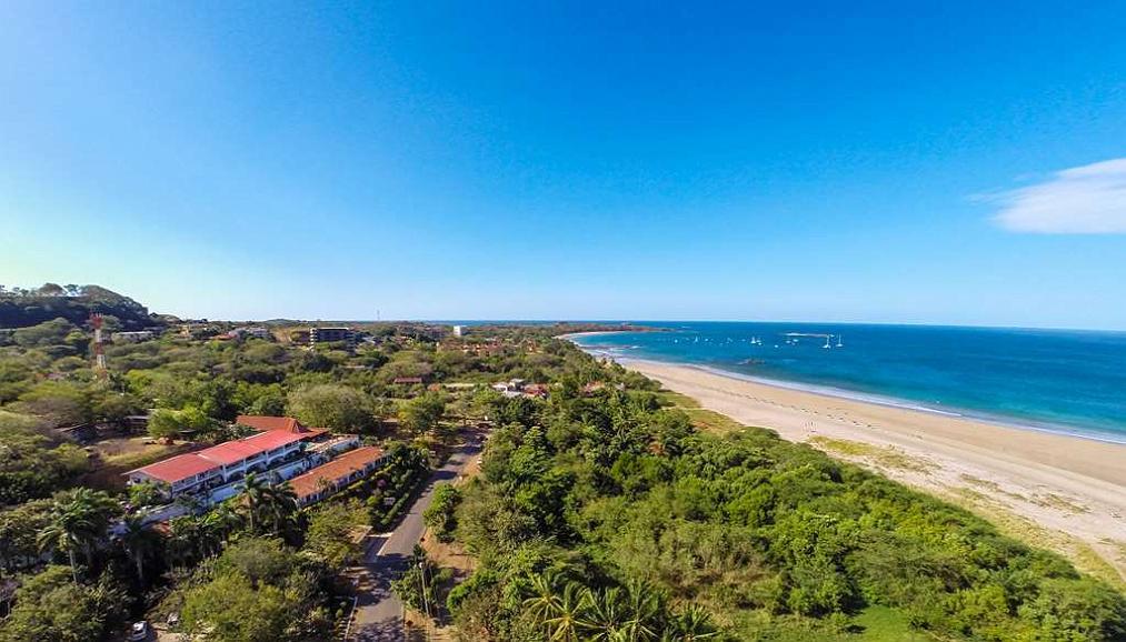 Best Western Tamarindo Vista Villas - Aerial View of BW Tamarindo Vista Villas, walking distance from the Beach.