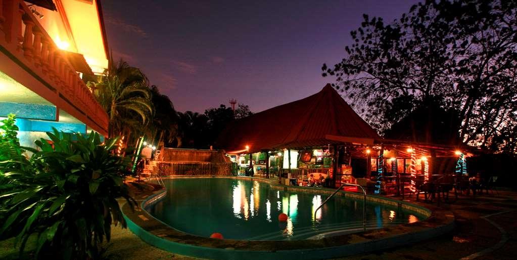 Best Western Tamarindo Vista Villas - Bar / Lounge