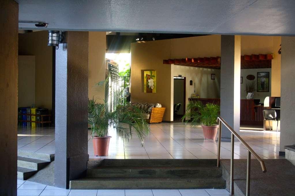 Best Western El Sitio Hotel & Casino - Front desk