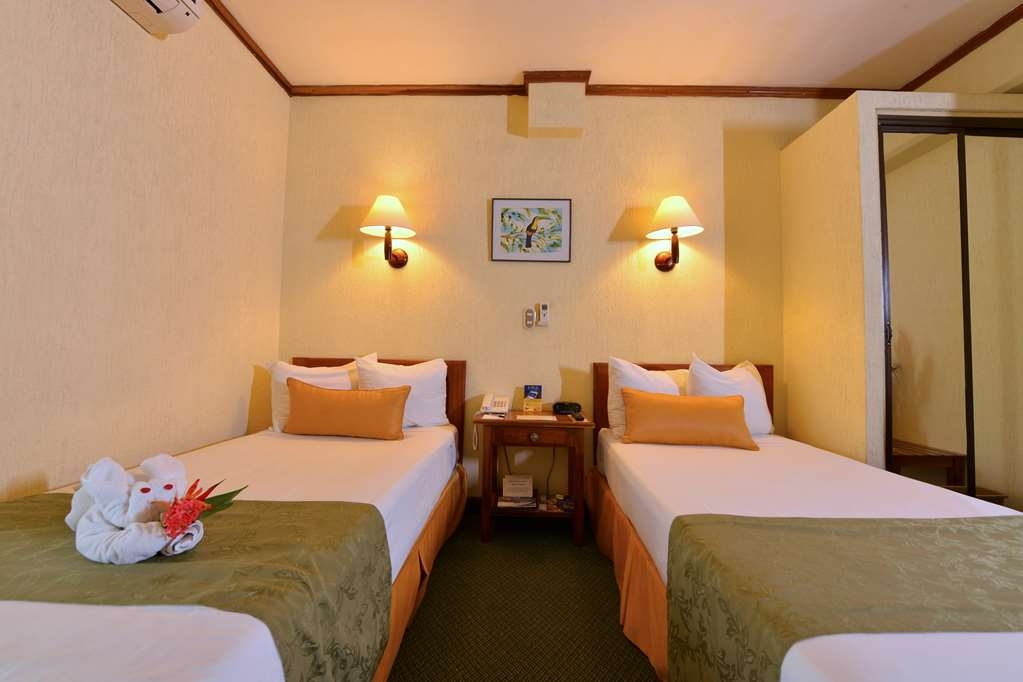 Best Western Hotel & Casino Kamuk - Standard room, two single beds.