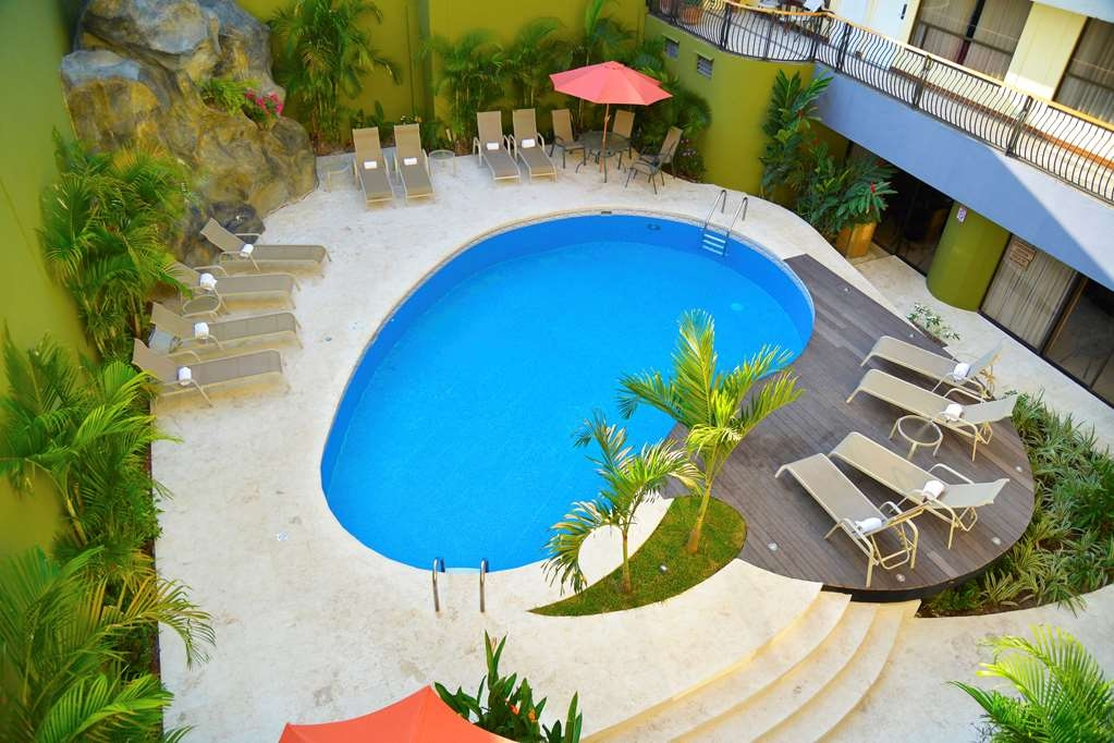 Best Western Hotel & Casino Kamuk - Piscina