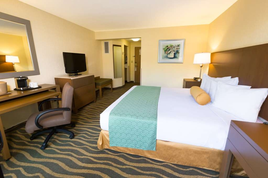 Best Western Plus San Jose - King Bed Guest Room