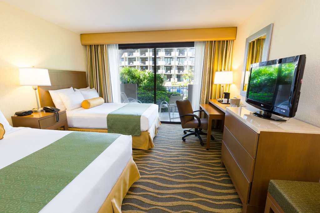 Best Western Plus San Jose - Two Double Bed Guest Room Pool View