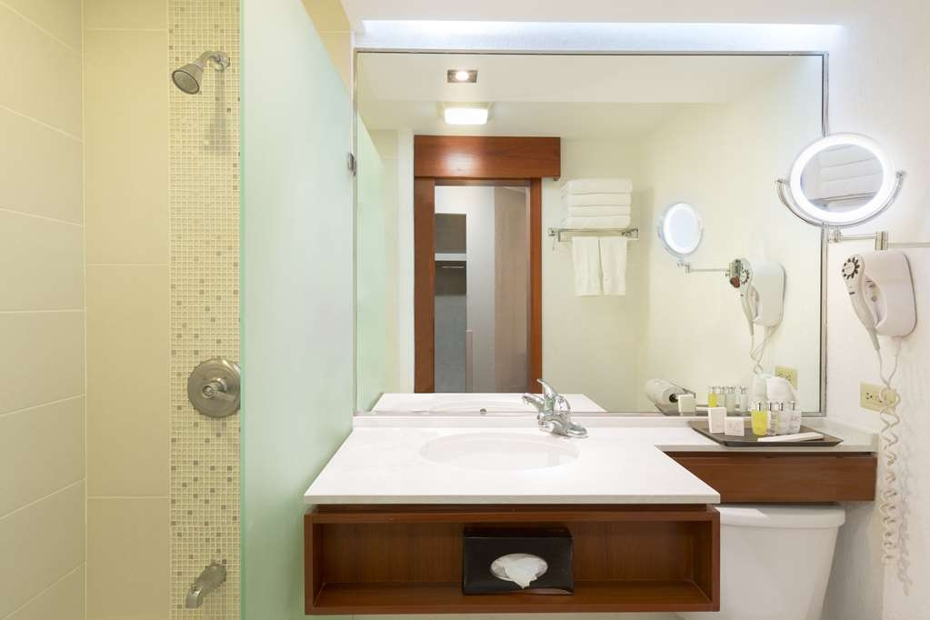 Best Western Plus San Jose - Bathroom Premier Plus