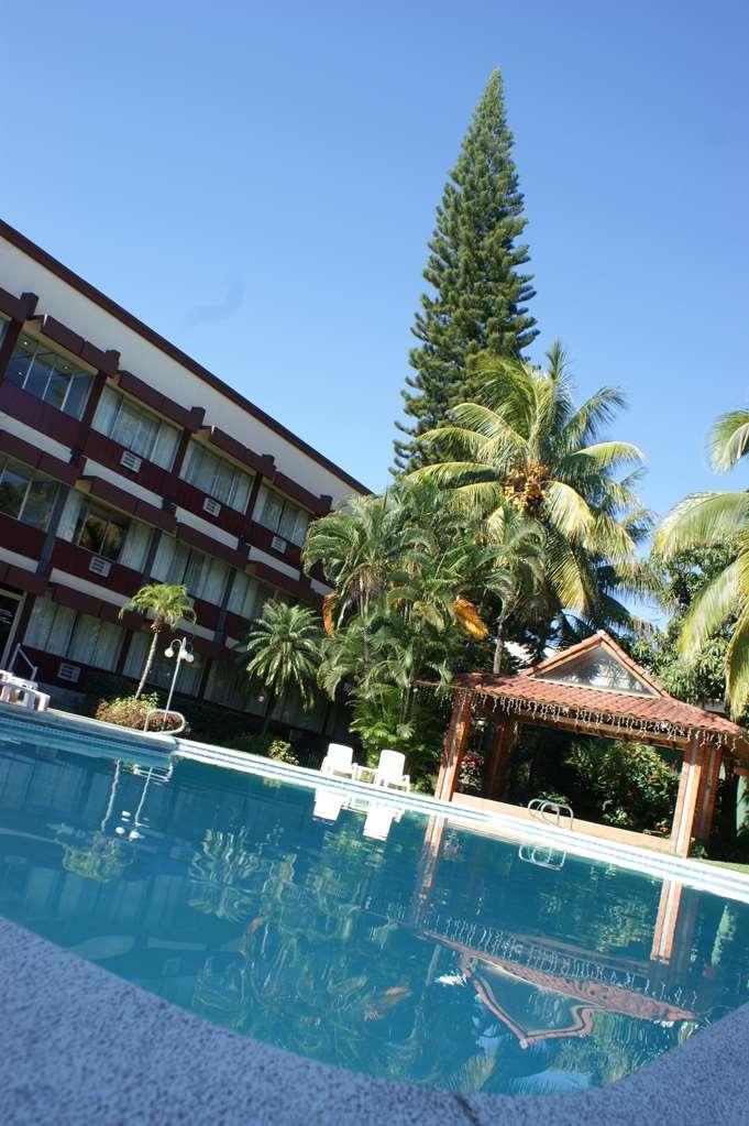 Best Western Plus Hotel Terraza - Vista de la piscina