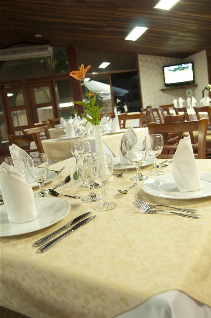 Best Western Las Mercedes - Restaurant / Etablissement gastronomique