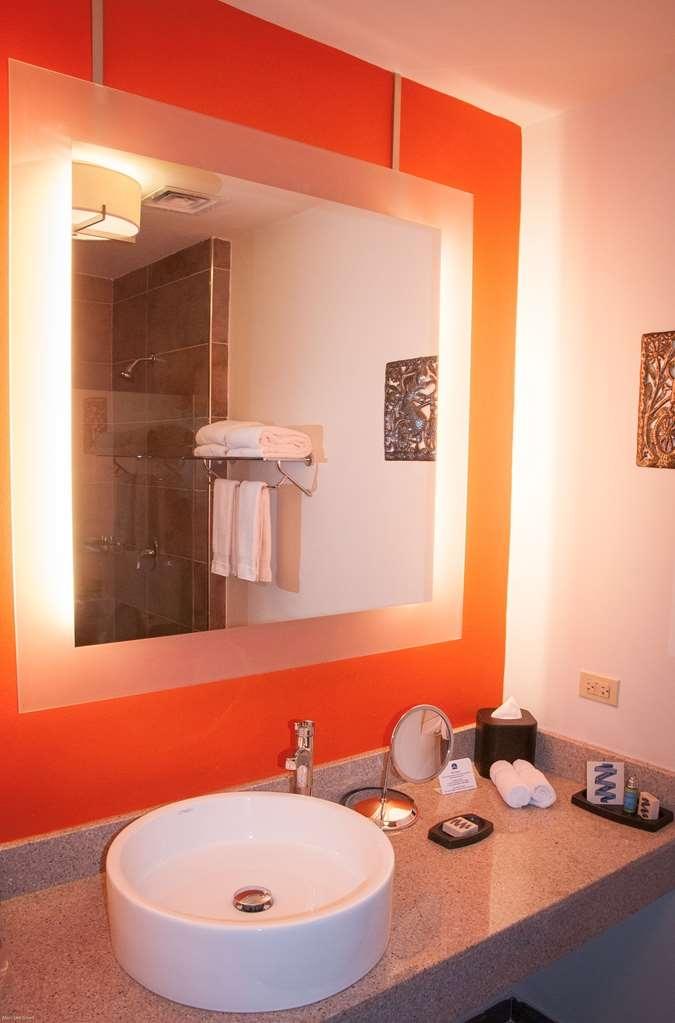 Best Western Premier Petion-Ville - Guest Bathroom