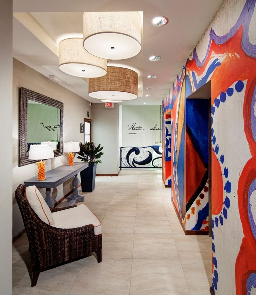 Best Western Premier Petion-Ville - Bold colors and crisp local art designs grace the walls throughout this Haitian-owned hotel including the elevator lobby.