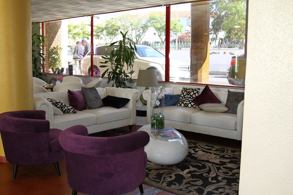 Best Western Hotel Dom Bernardo - Hotel Lobby
