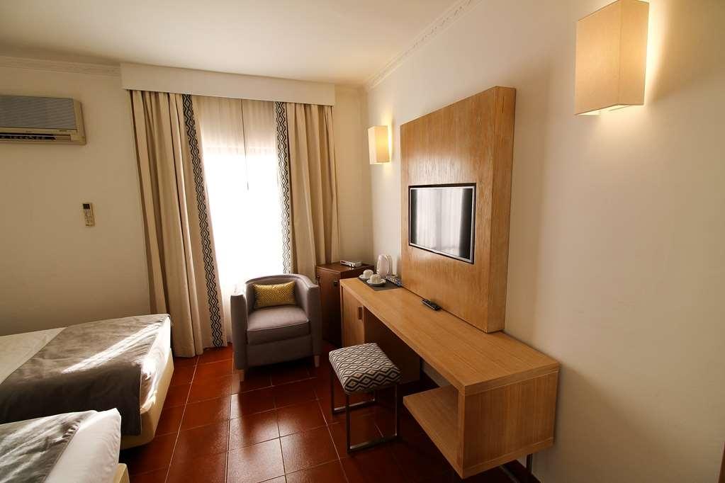 Best Western Hotel Dom Bernardo - Chambres / Logements