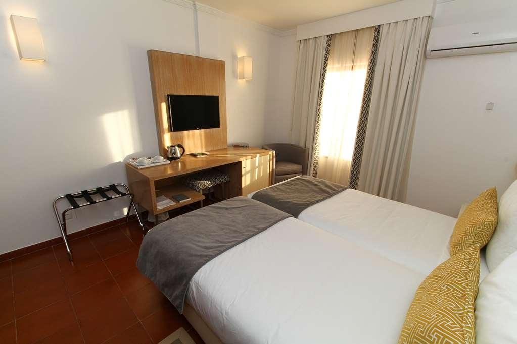 Best Western Hotel Dom Bernardo - Guest Room