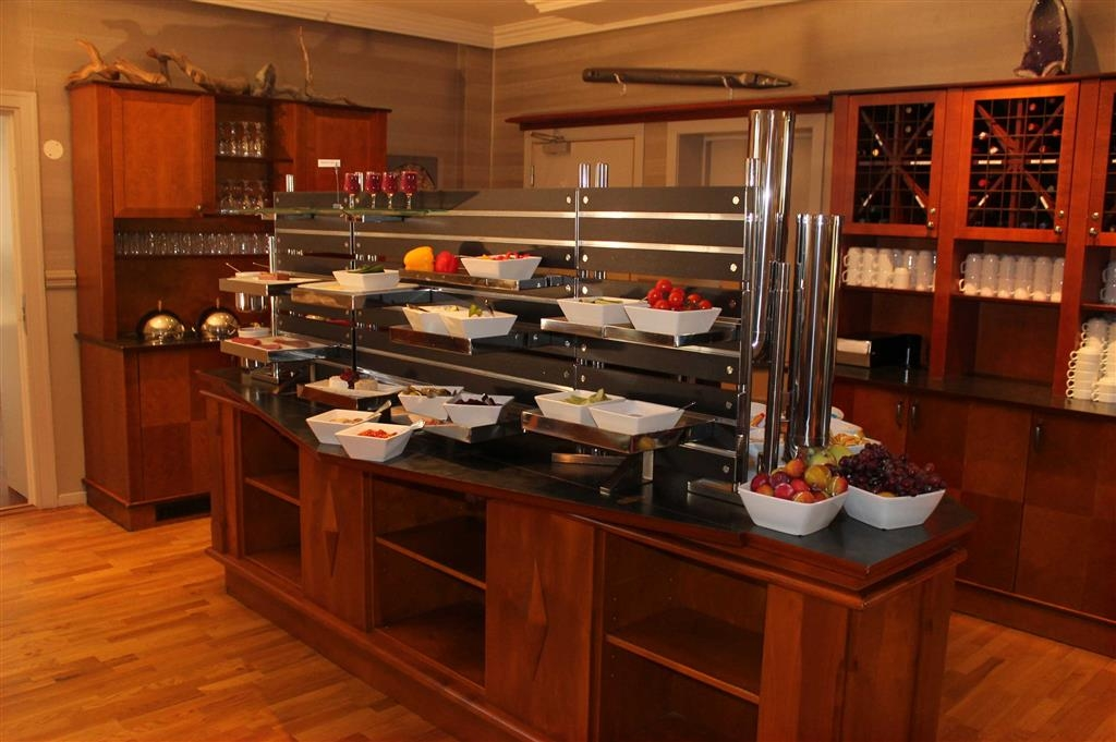 Best Western Plus Gyldenlove Hotell - Breakfast Buffet