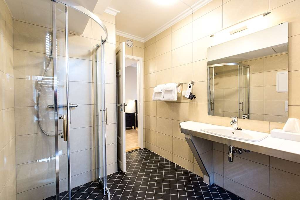 Best Western Plus Hotel Bakeriet - Guest Bathroom