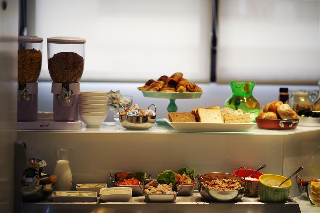 Best Western Regency Suites - Le petit déjeuner buffet