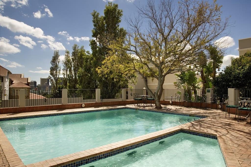 Best Western Cape Suites Hotel - Outdoor Swimming Pool