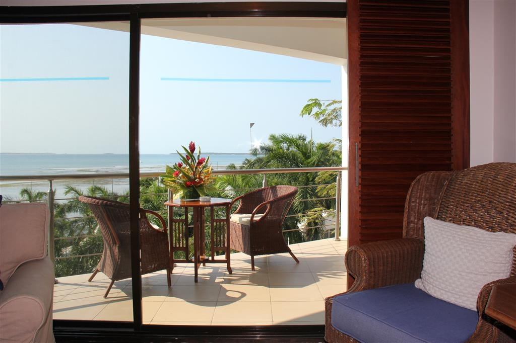 Best Western Coral Beach Hotel - Suite Balcony