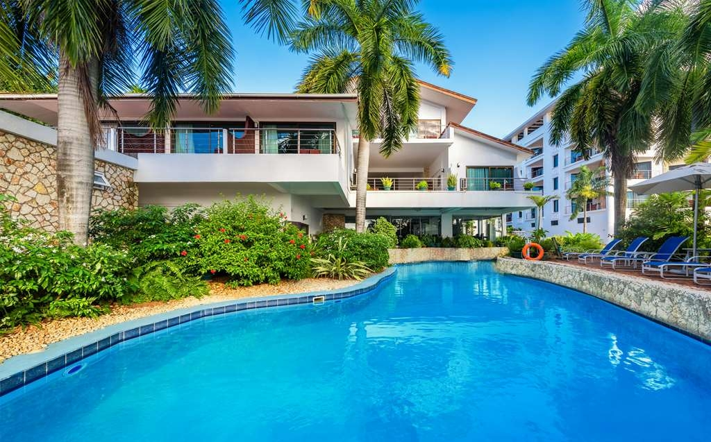Best Western Coral Beach Hotel - Outdoor Swimming Pool