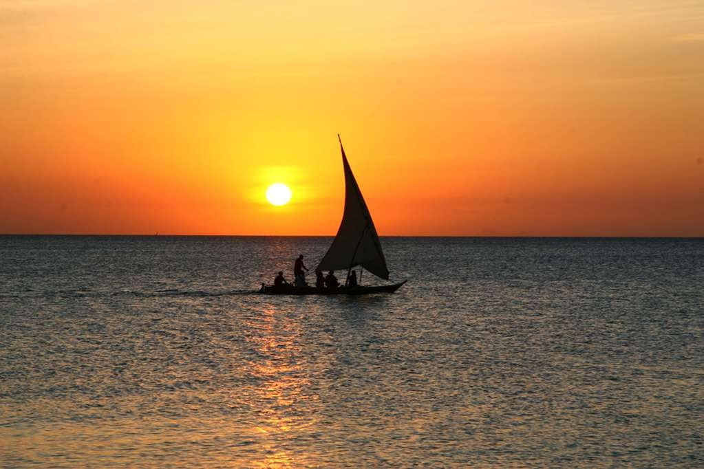 Best Western Coral Beach Hotel - sunset dhow