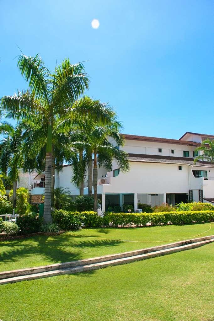 Best Western Coral Beach Hotel - Facciata dell'albergo