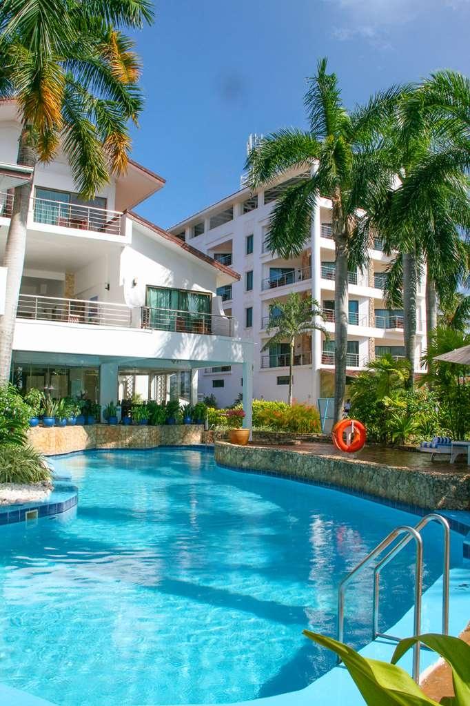 Best Western Coral Beach Hotel - Vue de la piscine