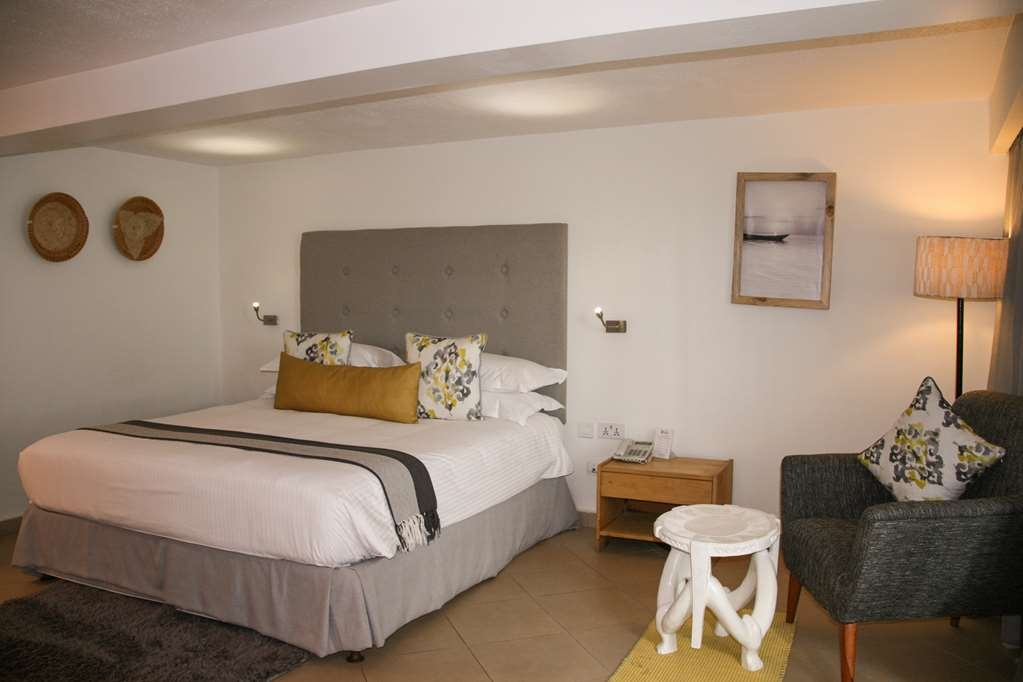 Best Western Coral Beach Hotel - Standard King:1 King Size Bed, Private Bathroom, Working Desk, Sofa, Tea/Coffee Maker, Safe, Minibar