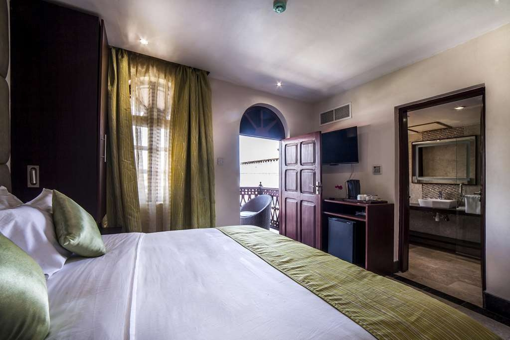Best Western Plus Zanzibar - Deluxe Guest Room - 1 King Bed, Air Conditioning, Minibar